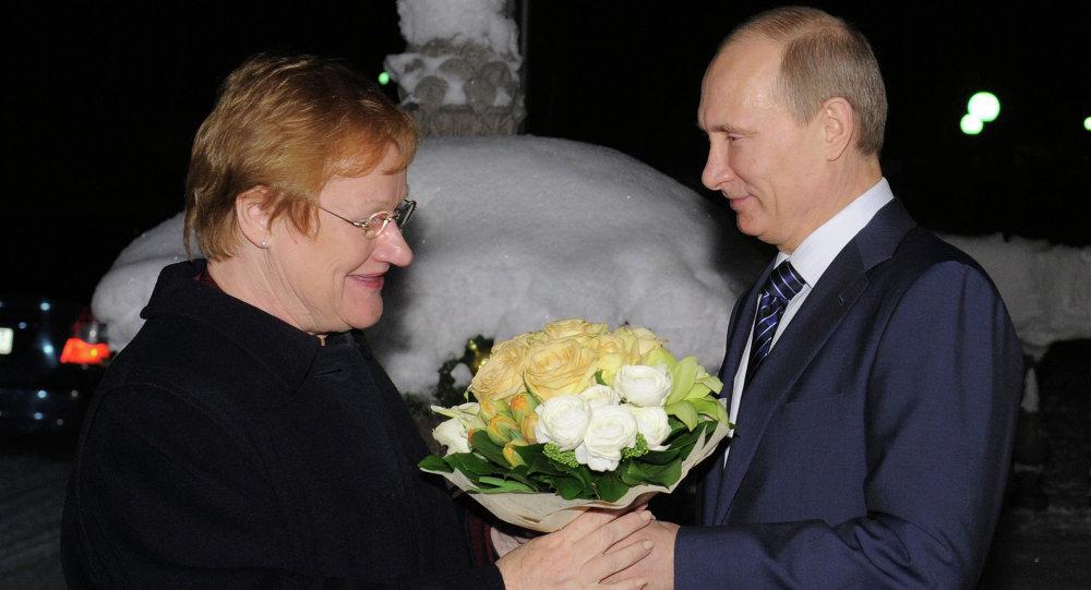 Vladimir Putin meets with Tarja Halonen