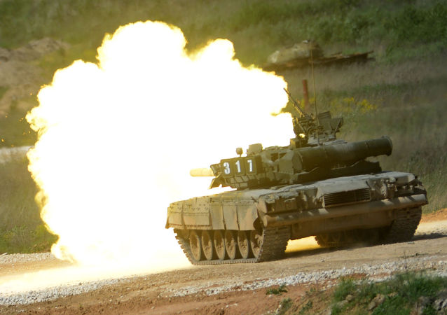 "Tank T-80 during equipment demonstration at the International Military-Technical Forum ""ARMY-2015"" in Moscow region"