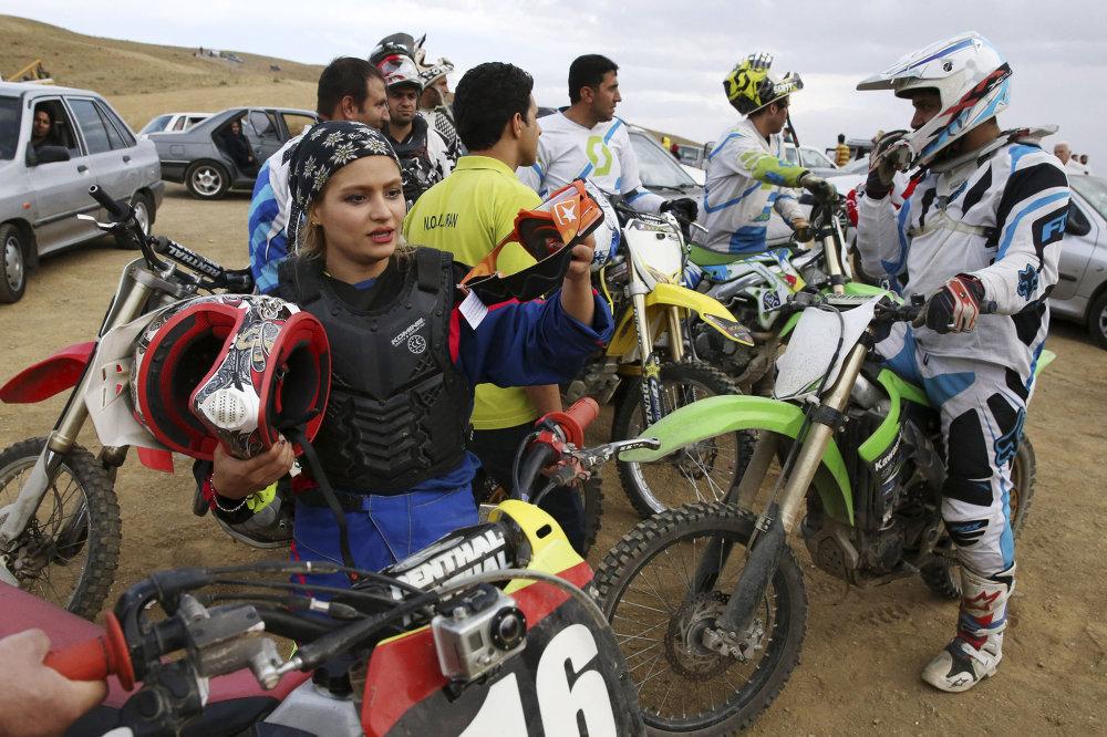 Born to Whizz: Female Iranian Biker Fulfills Her Dreams