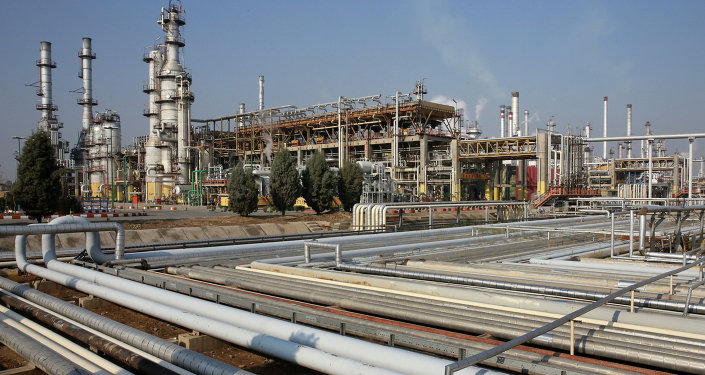 Iran signs first new style energy contract with a local firm
