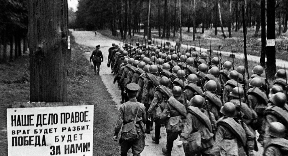 Recruits leave for front during mobilization