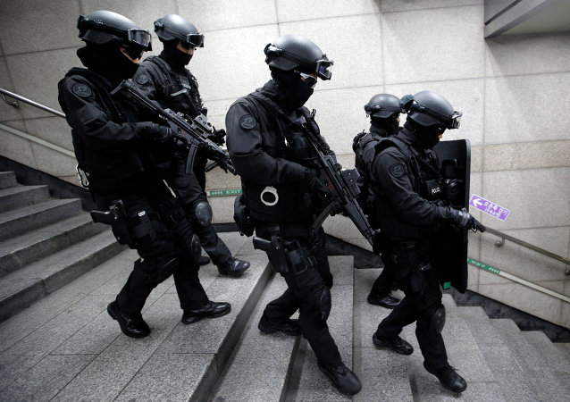 Special police forces conduct anti-terror drills during US-South Korean military exercises.