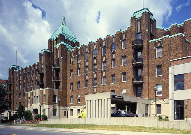 Hôpital Général du Christ-Roi de Verdun, 4000 LaSalle Boulevard, Verdun, Montreal, Quebec, Canada. Designed by Alphonse Venne, 1932.
