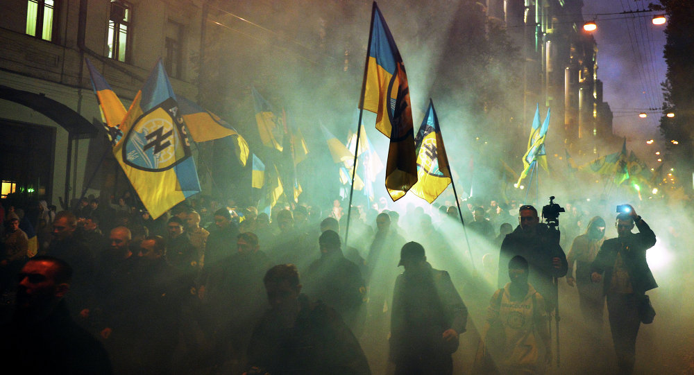 Ukrainian nationalists and servicemen of the Azov battalion demonstrate in Kiev. File photo