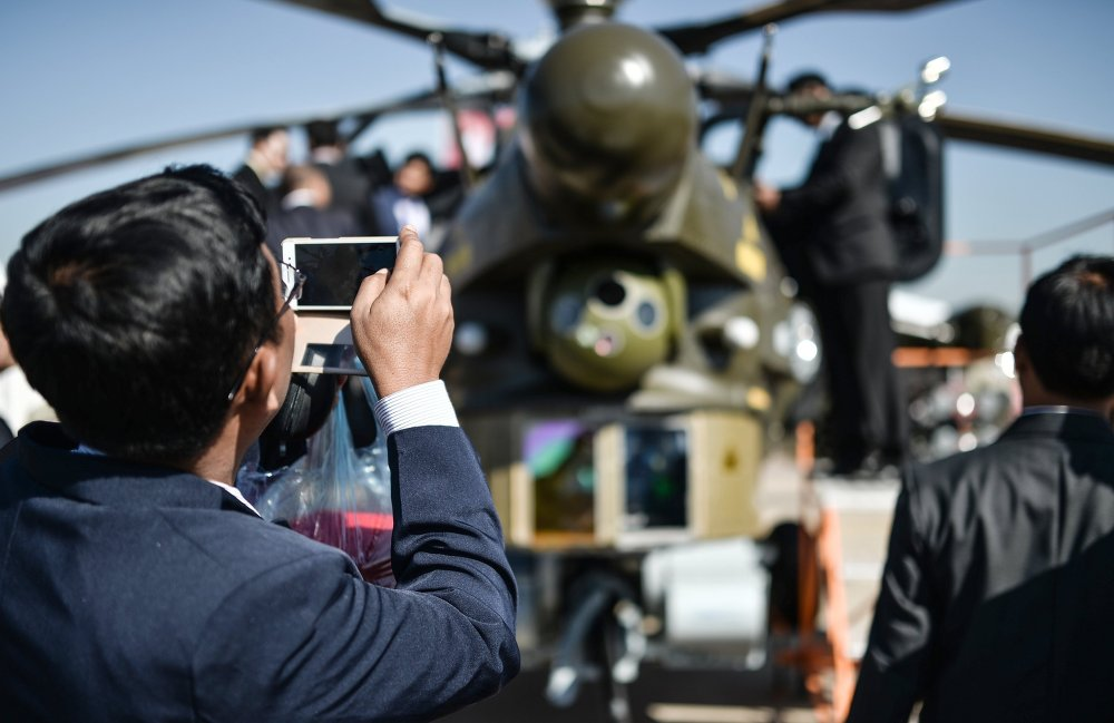 What Did Putin See at MAKS-2015 Air and Space Show?
