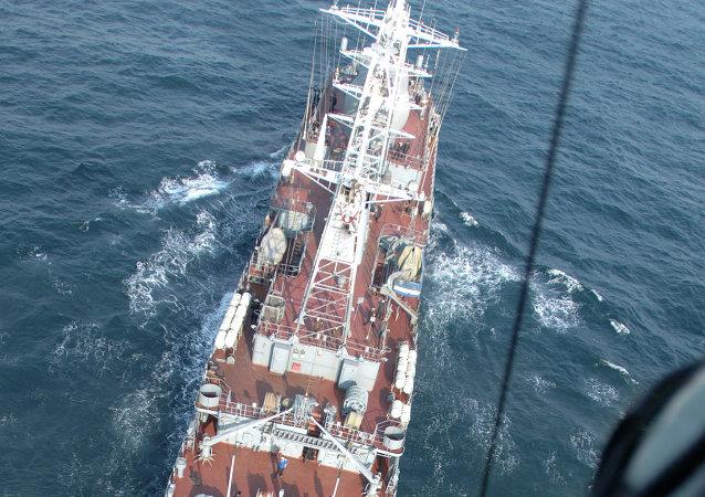 A Vishnya-class AGI ship, Kurily (SSV-208)