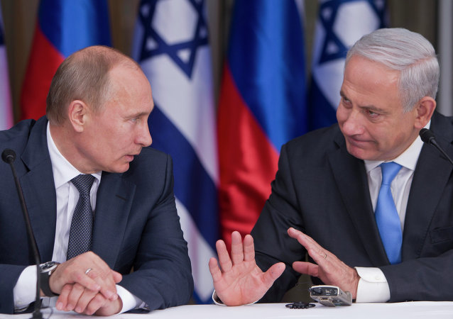 Russian President Vladimir Putin, left, and Israeli Prime Minister Benjamin Netanyahu (right)