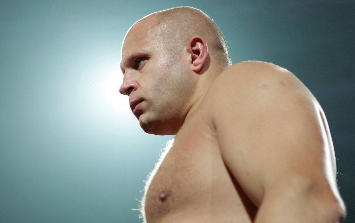 WATCH Russian MMA Icon Emelianenko Batter US Sonnen in Heavyweight Bout - Sputni...
