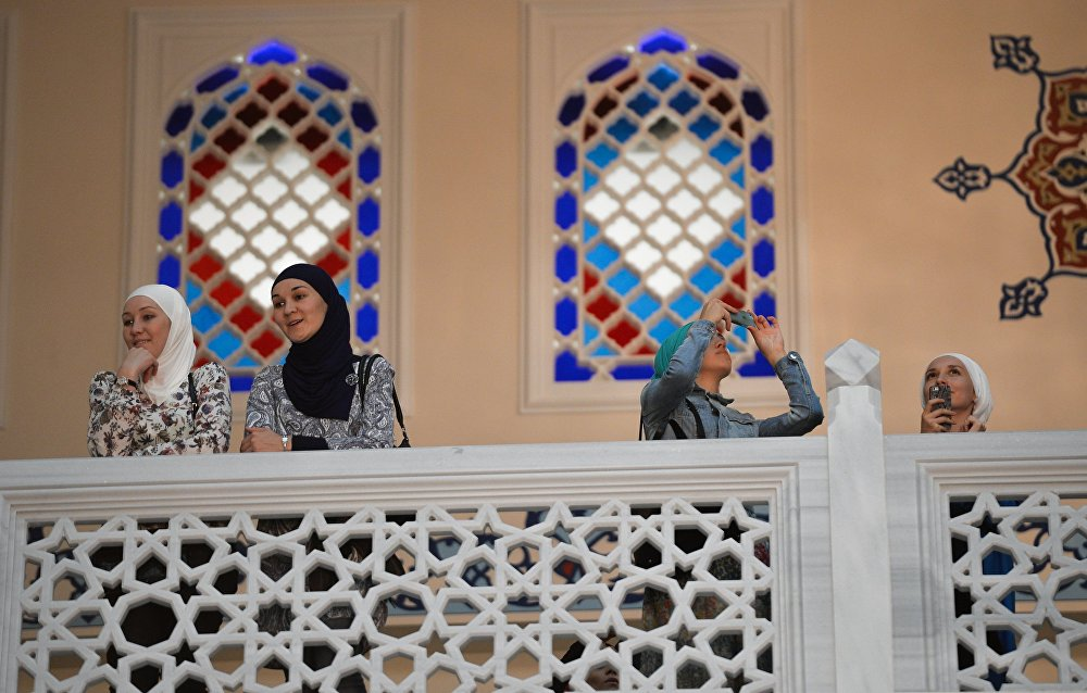 Moscow Unveils Biggest Mosque in Europe