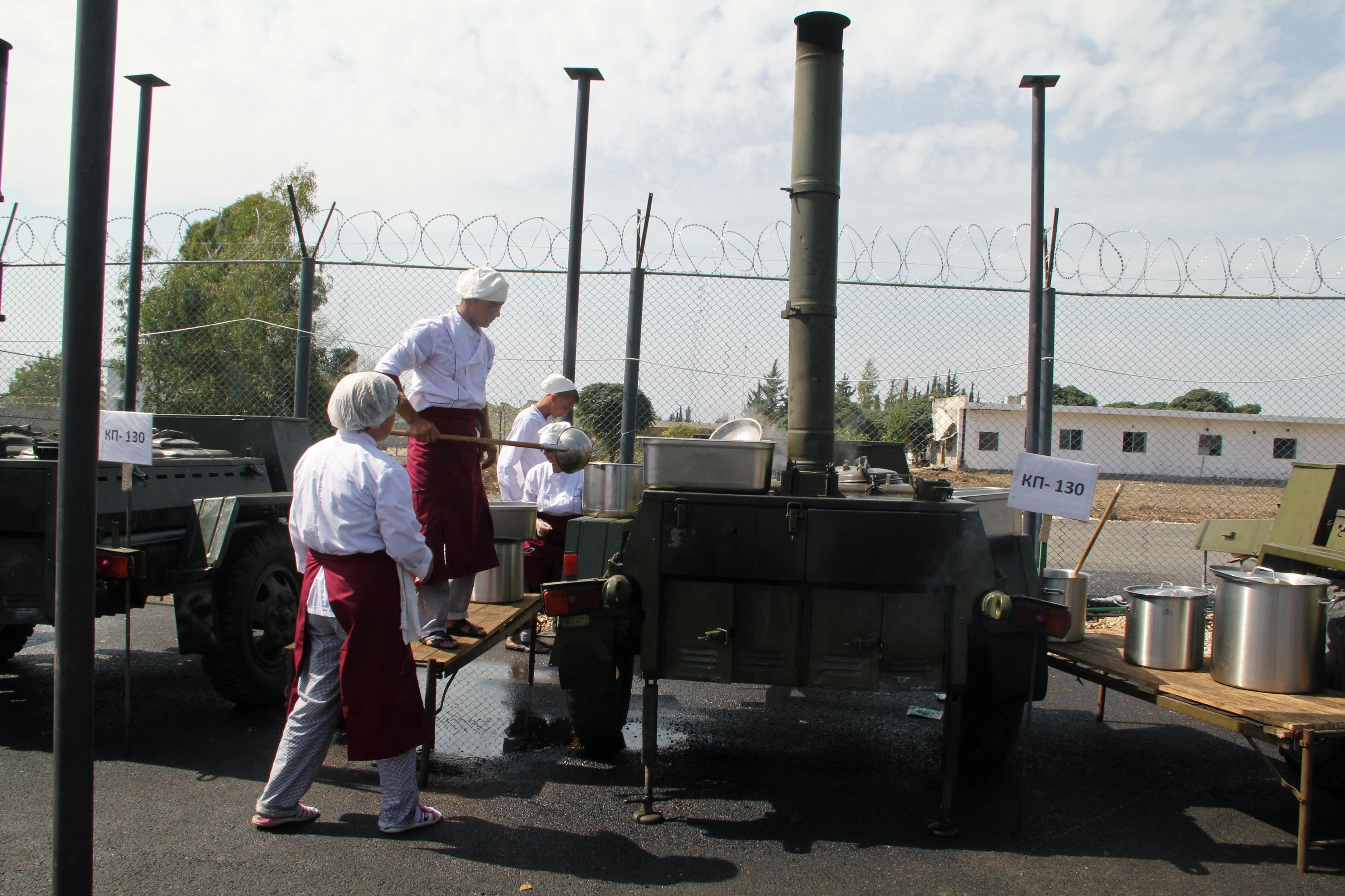 Mobile kitchens and a bakery at the Hmeymim airbase