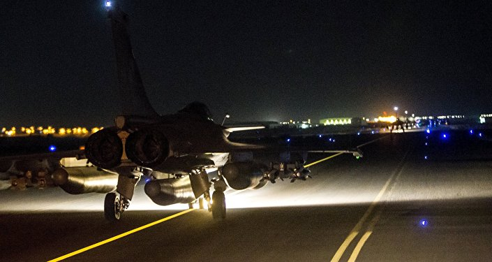 France Attacks ISIL Oil Assets in Syria After UN Resolution