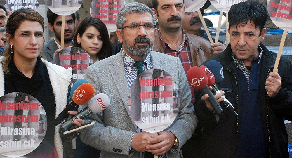 Tahir Elci, the head of Diyarbakir Bar Association, speaks to the media shortly before being killed in Diyarbakir, Turkey