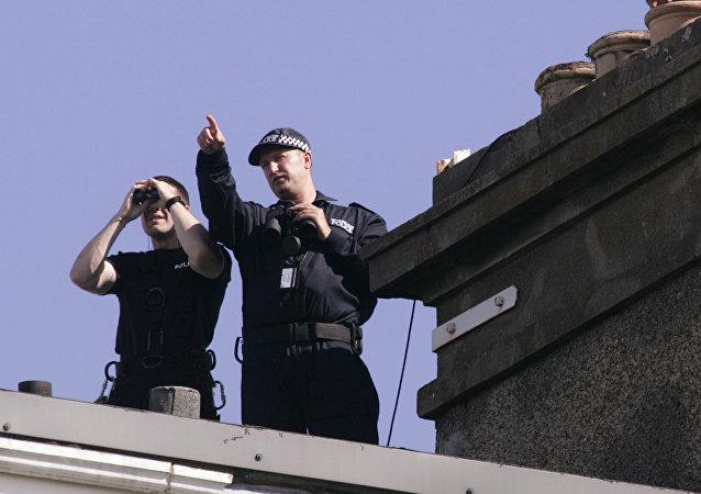 Police officers in Edinburgh, Scotland