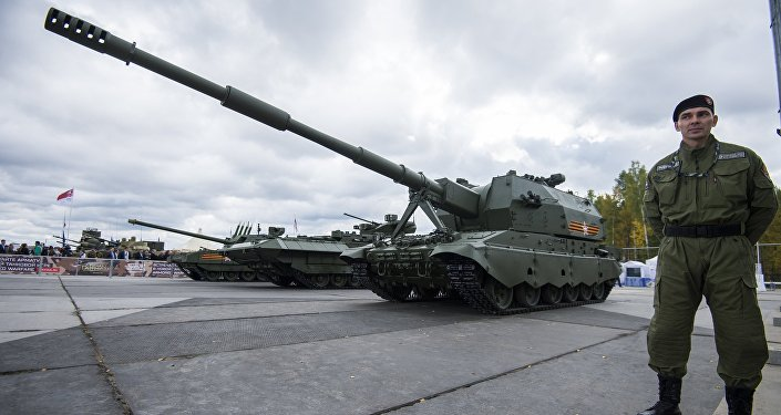 Self-propelled artillery gun 2S35 on the Armata Coalition-SV platform, displayed at the Russia Arms Expo.