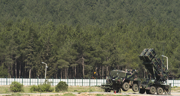 A German Patriot missile launcher is deployed at the Gazi barracks in Kahramanmaras, southern Turkey (file)