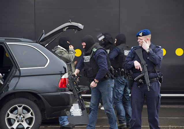 Special forces of the Dutch police prepare to enter the Amsterdam's Schiphol airport, on February 13, 2012