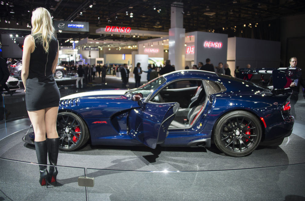 Hottest Cars And Girls On Display At The Detroit Auto Show