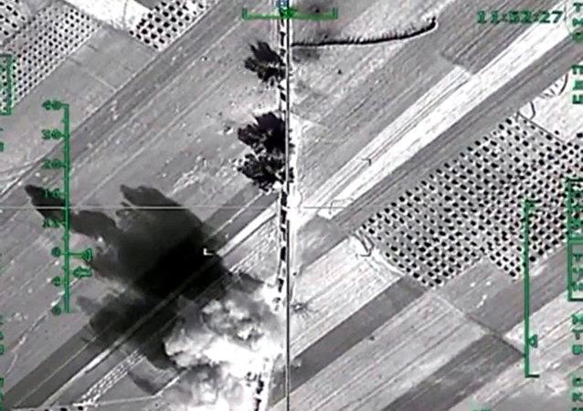 Russian warplanes destroy Daesh infrastructure in Syria