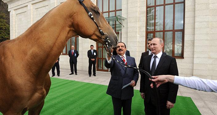 Barack Obama, Vladimir Putin have quick chat in Peru over Ukraine, Syria