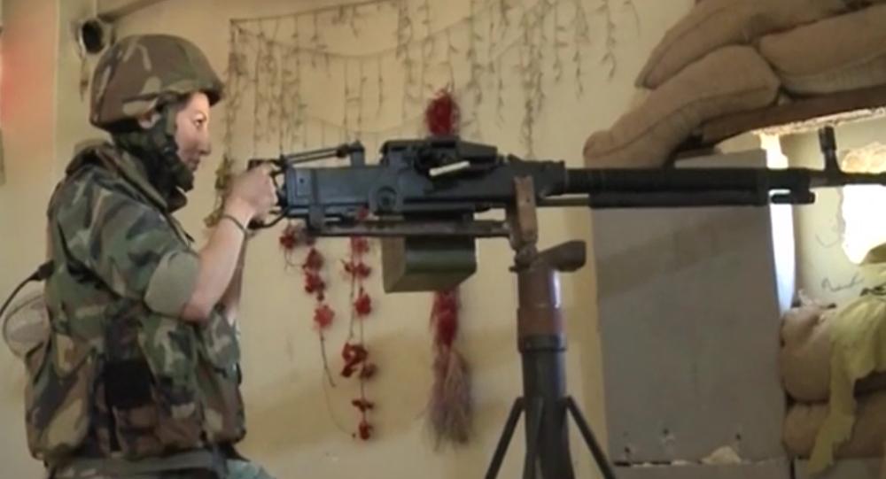 Female animal trainer fights militants in Syria's Aleppo