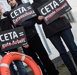 Anti CETA demonstrators