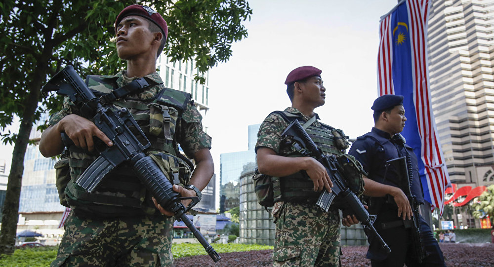Malaysian military personnel and policeman (File)