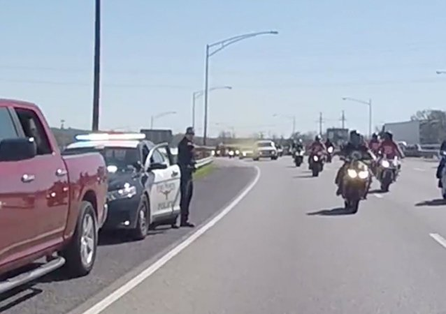 Cop Pepper-Sprays Passing Bikers for No Apparent Reason