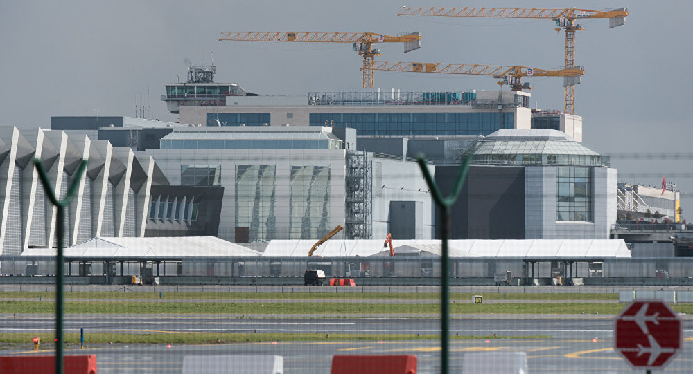A picture taken on March 29, 2016 in Zaventem shows tents at Brussels Airport, where authorities are running a series of tests to see if makeshift check-in facilities are good enough to restart some flights and that repair work and new security measures are adequate after the deadly March 22 attacks