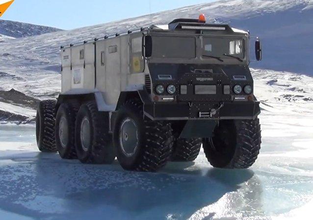 Burlak Conquers the North Pole!