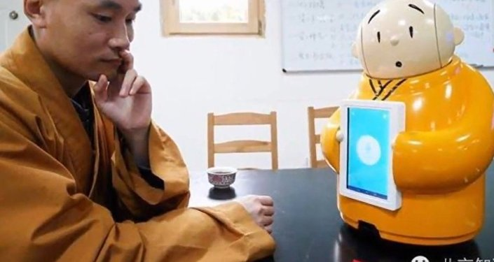 Robot monk becomes an Internet hit