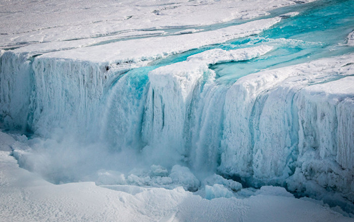Seafarers on Thin Ice After Two Giant Icebergs Break Off Antarctic Shelf