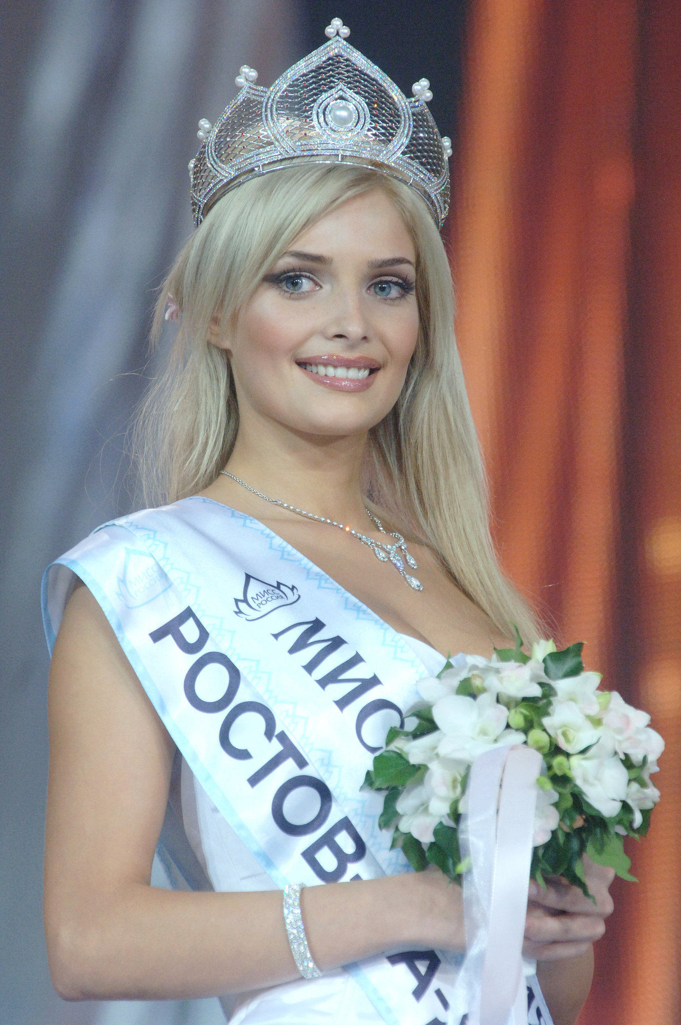 Tatiana Kotova (Rostov-on-Don, the winner of the Miss Russia 2006 competition, with its finals held at the Gostiny Dvor center