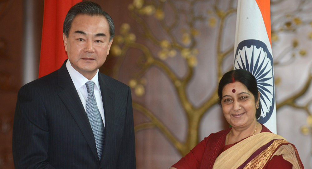 Chinese Foreign Minister Wang Yi (left) and Indian Foreign Minister Sushma Swaraj.(File)