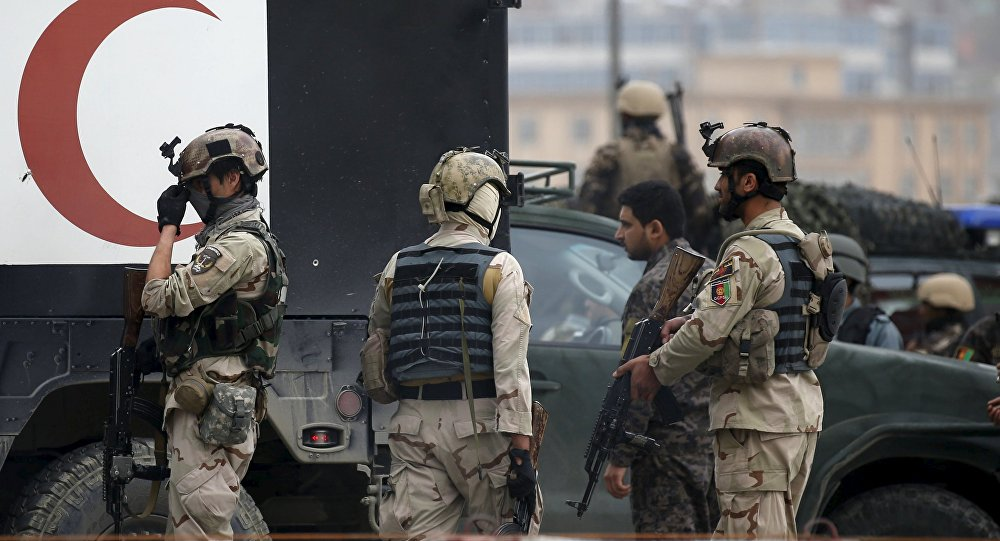 Afghan quick reaction forces arrive at the site of a suicide car bomb attack in Kabul, Afghanistan April 19, 2016.