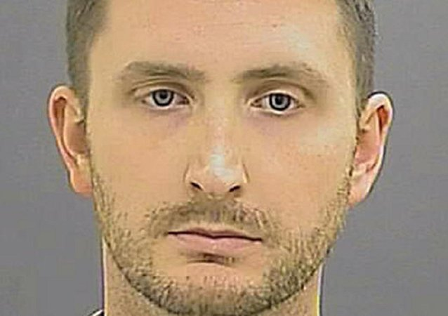 Banking on Easier Sentence? Baltimore Cop Waives Jury Trial in Freddie Gray Death