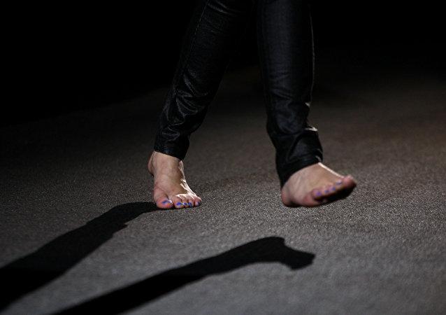 Barefoot model