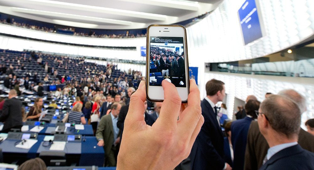 Grabbing a shot of the European Parliament plenary chamber