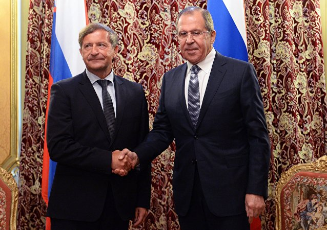 From right: Russian Foreign Minister Sergey Lavrov meets with Slovenia's Foreign Minister Karl Erjavec in Moscow