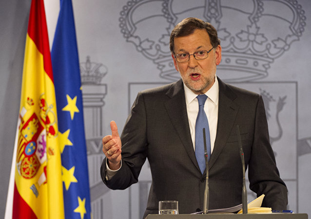 Spanish Prime minister Mariano Rajoy gives a press Conference after meeting with Spanish King, at La Moncloa palace in Madrid on February 26, 2016.