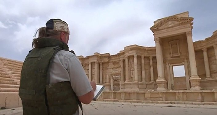 Depicting Courage Of Soldiers: Russian Artists in Palmyra
