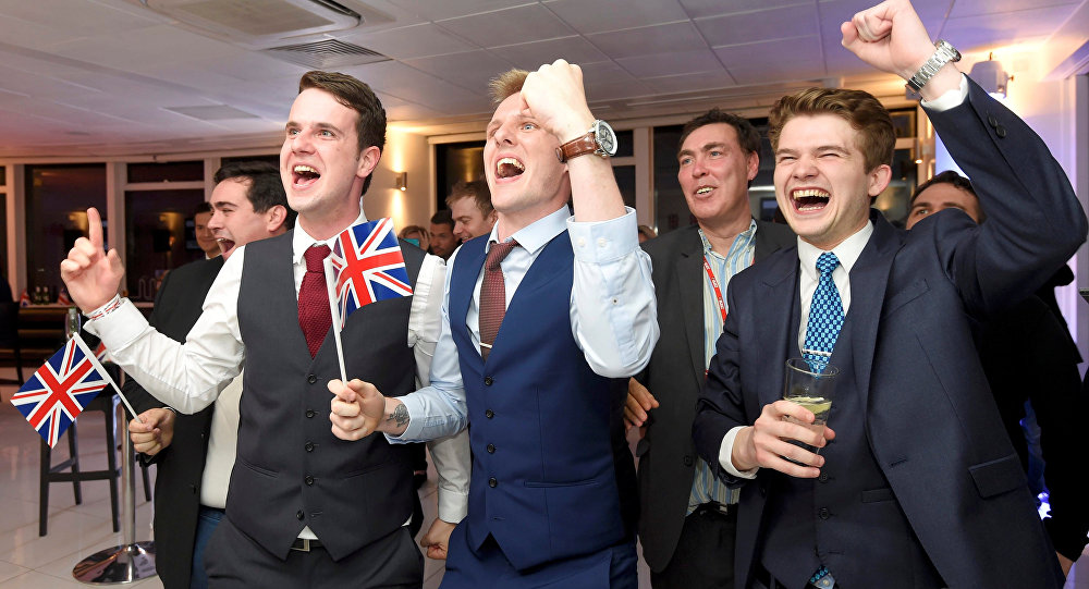 Leave supporters cheer results at a Leave.eu party after polling stations closed in the Referendum on the European Union in London, Britain, June 23, 2016.