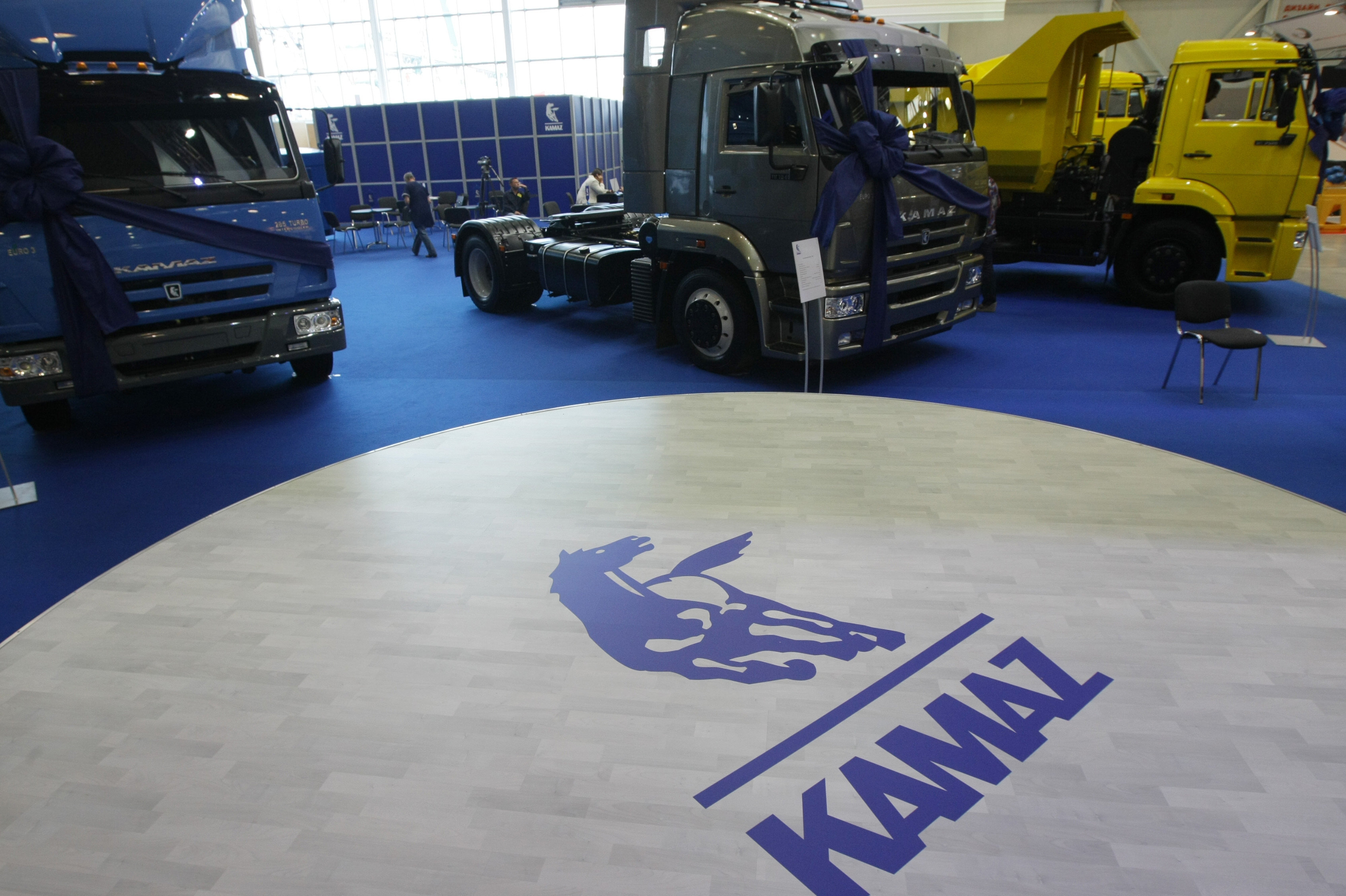 While serving as the workhorse of the military's truck fleet, Russian truck maker Kamaz has also been busy modernizing its civilian vehicle offerings.
