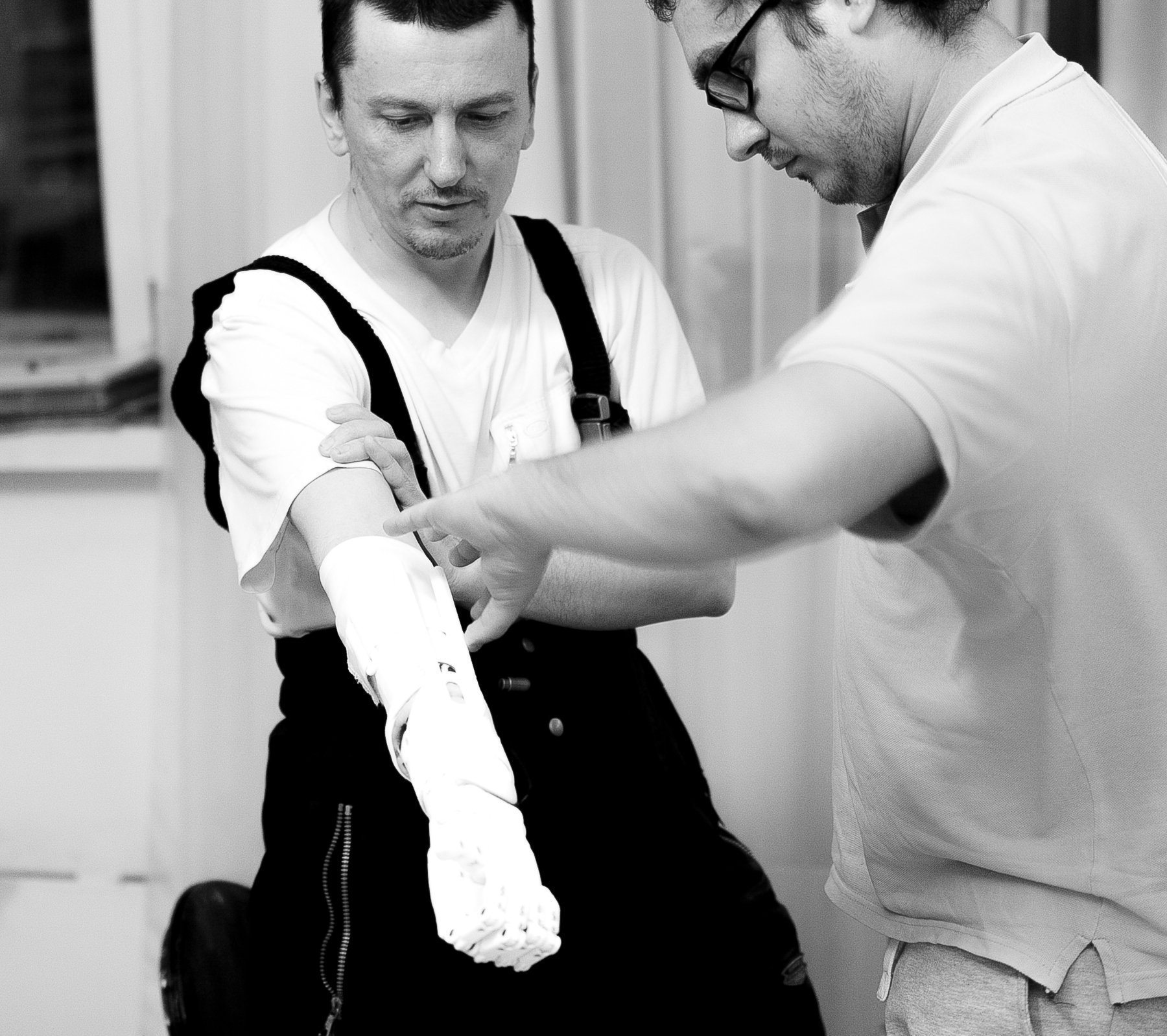 Lyashko (R) and a patient with the MaxBionic prosthesis