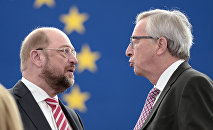 EU Commission Chief Jean-Claude Juncker and European Parliament President Martin Schulz
