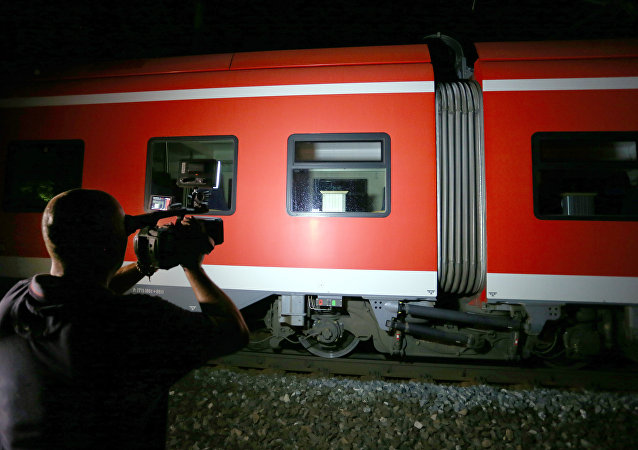Cameraman films trains on which a man attacked passengers in Germany