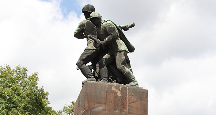 Russian Federation to hit back over Polish law on Soviet monuments