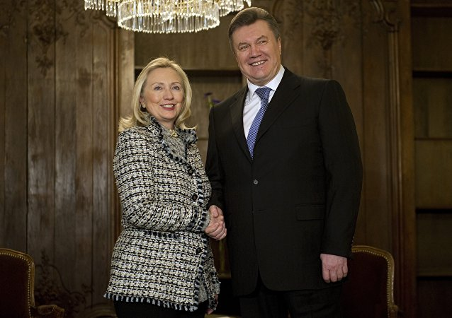 US Secretary of State Hillary Clinton shaking hands with Ukrainian President Viktor Yanukovych during a bilateral meeting at the 48th Munich Security Conference, 2012. Two years earlier, Clinton traveled to Ukraine directly to meet with the president.
