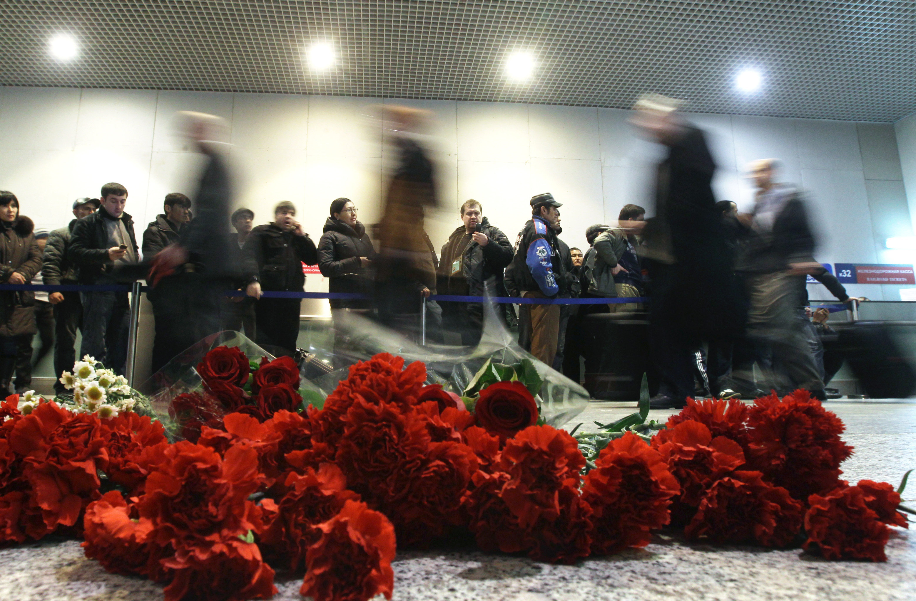 Flowers in the Domodedovo arrival lounge to commemorate the victims of the act of terrorism on January 24. (File)