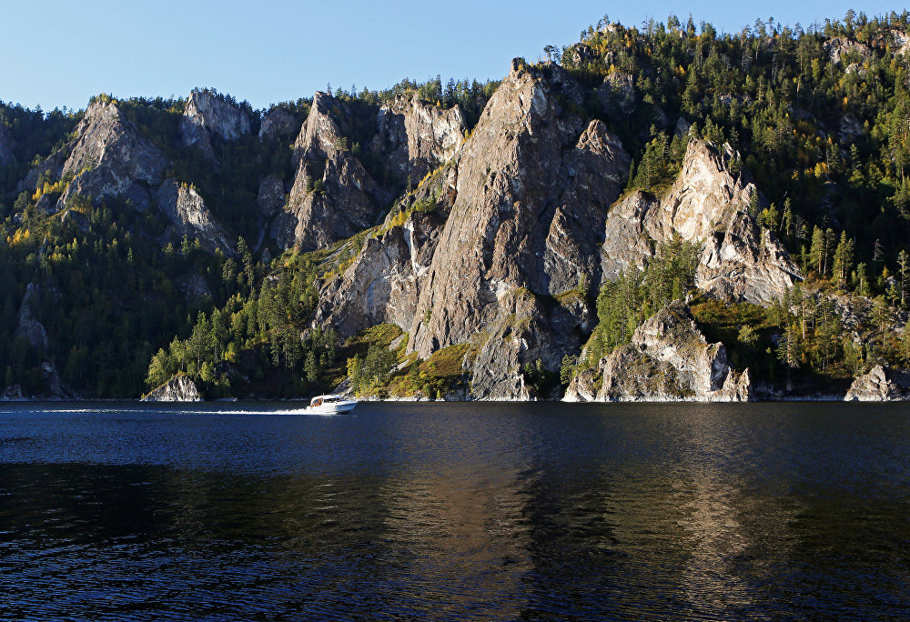 The Siberian Soul: Yenisei River Presents Breathtaking Landscapes