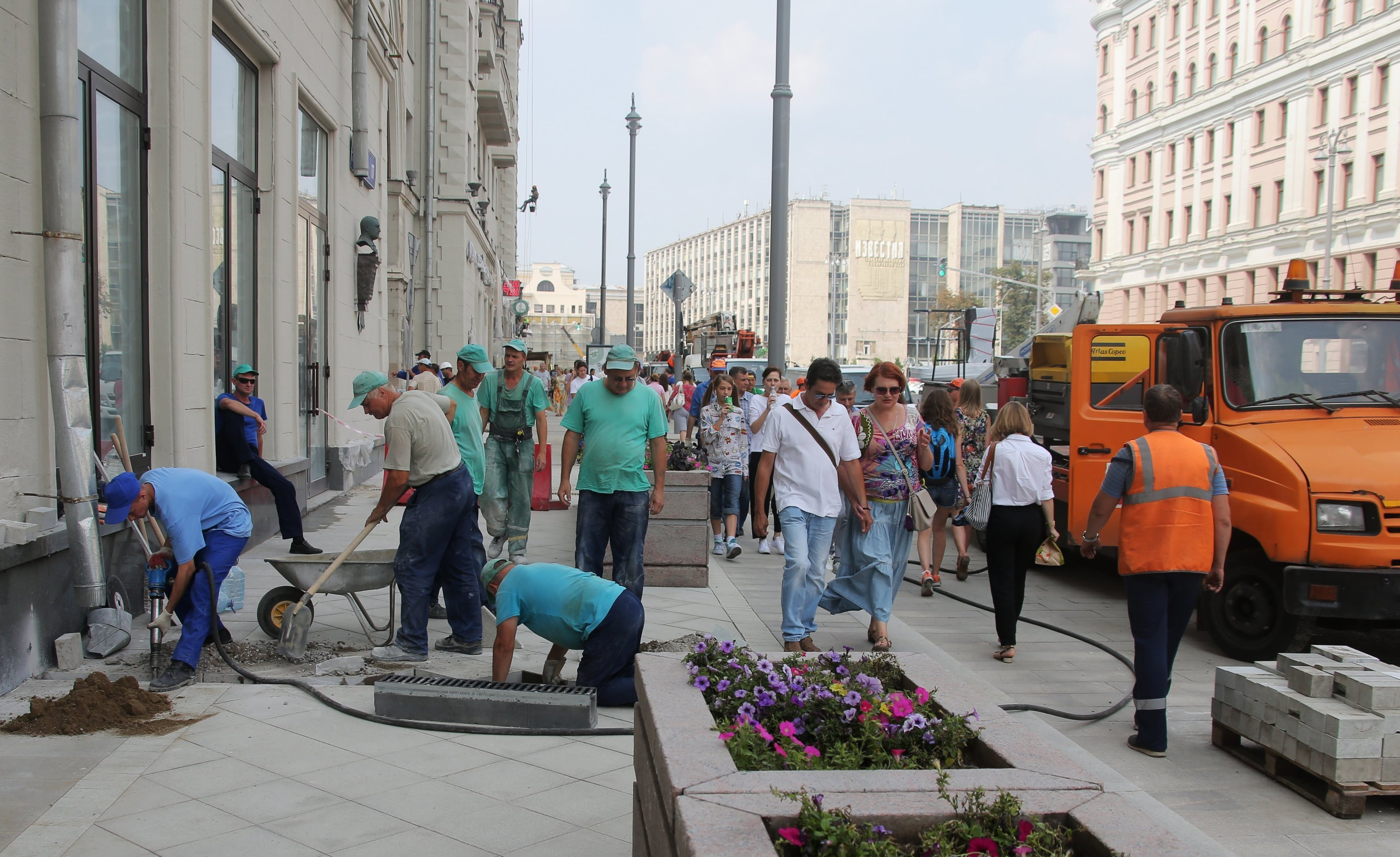 Large-scale renovation on Tverskaya Street in Moscow